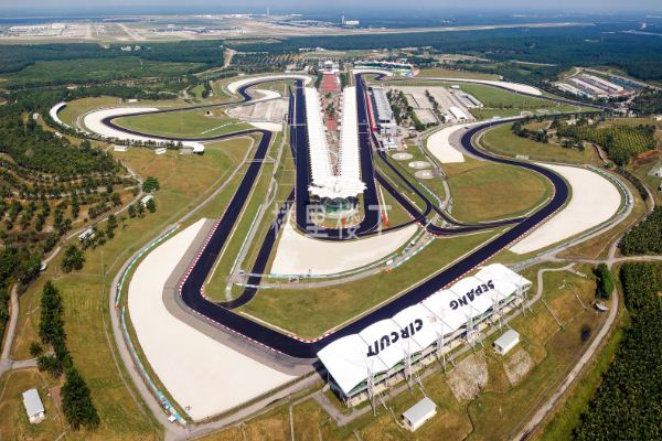 雪邦国际赛车场