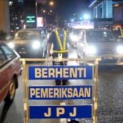 马来西亚管制期间四个红区会有常态路障排查,逾期逗留的注意