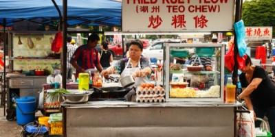 因为疫情原因,马来西亚雪兰莪州禁止外国人小商贩注册